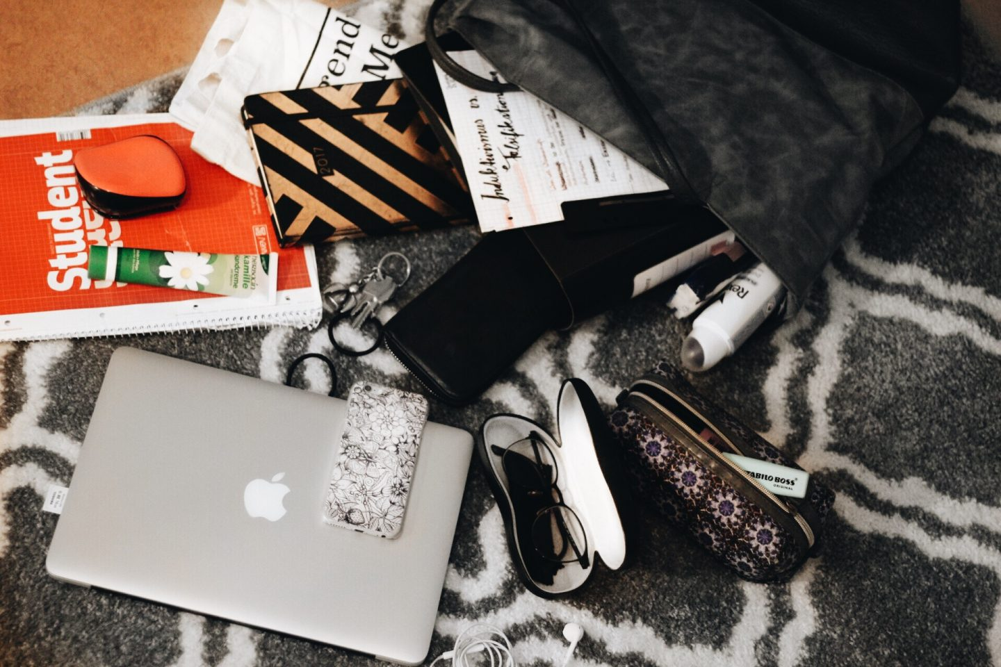Lifestyle: What's in my Uni Bag